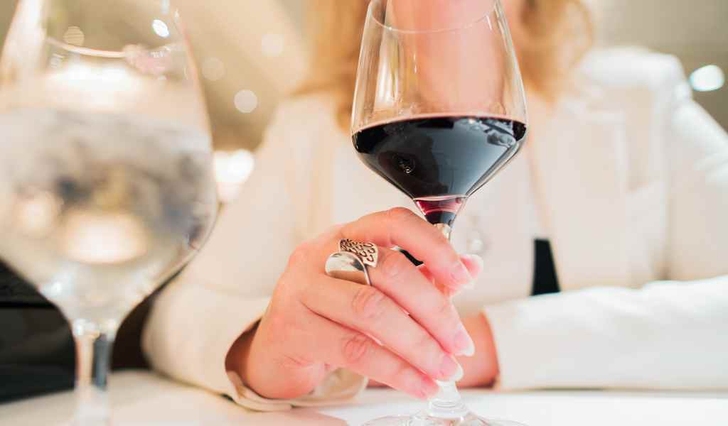 Лечение женского алкоголизма в Электростали анонимно